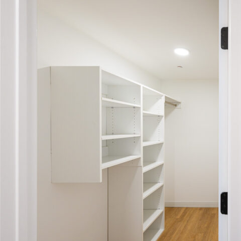 101 dupont place walk-in closet with storage in 2 bedroom apartment wilmington delaware
